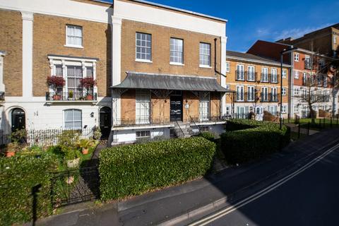 2 bedroom ground floor maisonette for sale - The Polygon, Southampton