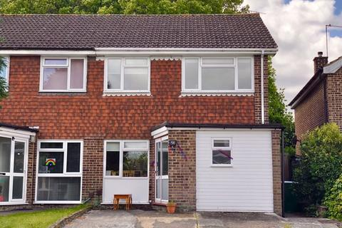 4 bedroom semi-detached house for sale - Whenman Avenue, Bexley