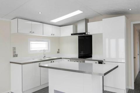 2 bedroom detached house for sale - Hartlands Park, Church road, Hounslow, London, TW5 9RY