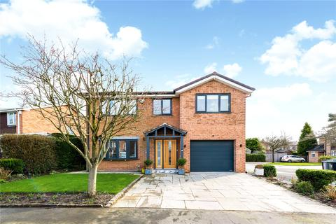 4 bedroom detached house for sale - Bramley Close, Wilmslow, Cheshire, SK9