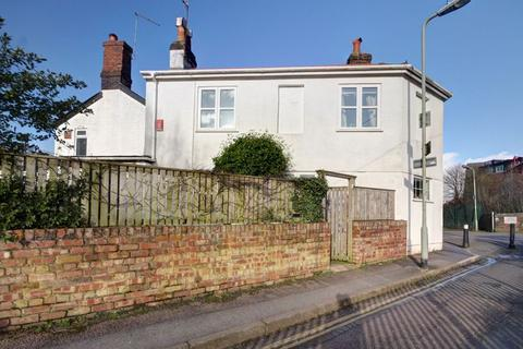 2 bedroom terraced house for sale - Well Street, Exeter