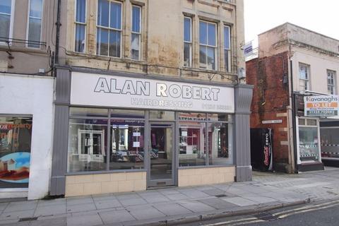 Shop to rent - Silver Street, Trowbridge