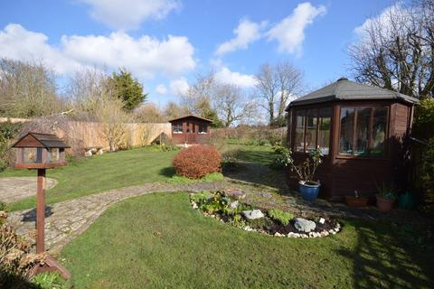 3 bedroom detached bungalow for sale - Weston Turville