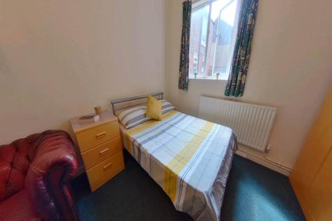 6 bedroom terraced house to rent - Uttoxeter New Road, Derby,