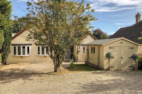 4 bedroom detached bungalow for sale - Green Meadows, Danbury