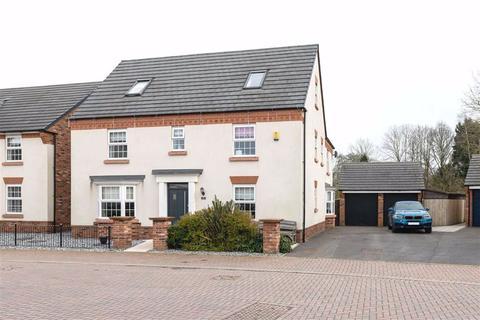 5 bedroom detached house - Buttonbush Drive, Nantwich, Cheshire