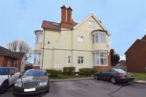 2 bedroom flat for sale - The Mount, Cleethorpes, North East Lincolnshire