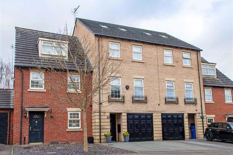 4 bedroom townhouse for sale - Hartfield Close, Hasland, Chesterfield, Derbyshire, S41