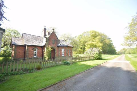 2 bedroom detached bungalow to rent - Mill Lane, Macclesfield, Macclesfield