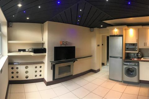 1 bedroom flat for sale - Alston Road, SW17