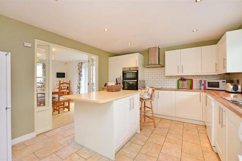 3 bedroom detached bungalow for sale - Foxs Place, Off Old Road, Chesterfield