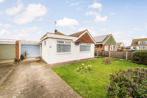3 bedroom detached bungalow for sale - Kite Farm, Whitstable