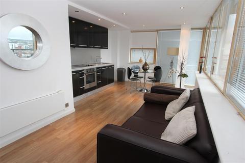 2 bedroom flat to rent - West Point, Wellington Street