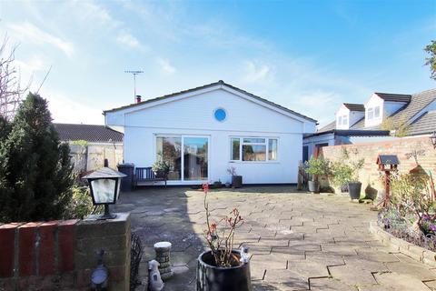 3 bedroom detached house for sale - Brookmead, Hildenborough
