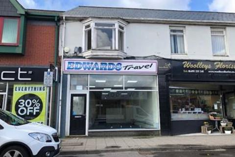 Shop to rent - 122 High Street, Blackwood, Caerphilly