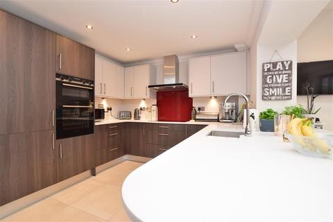 5 bedroom detached house for sale - Millfield Close, Horley, Surrey