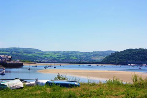 2 bedroom ground floor flat for sale - Deganwy Castle, Station Road, Deganwy LL31