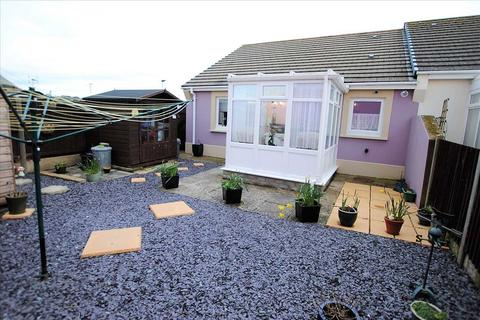 2 bedroom semi-detached bungalow for sale - 2 Webbs Drive