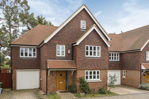 5 bedroom detached house - Blackbrook Lane, Bickley