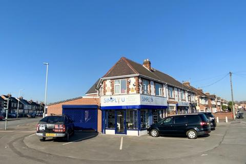 Hairdresser and barber shop to rent - Gleneagles Avenue, Leicester LE4 7GD