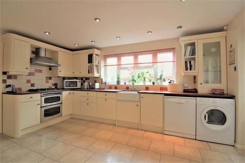 4 bedroom detached house for sale - Molloy Road , Shadoxhurst , TN26 1HR