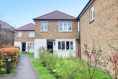 3 bedroom detached house for sale - Cameron Close, Bowes Park, London, N22