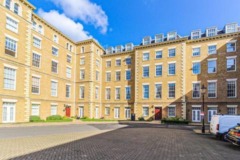 2 bedroom apartment for sale - Princess park Manor, Royal Drive, N11