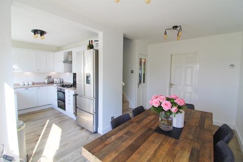 4 bedroom detached house for sale - Heron Drive, Poynton, Stockport, SK12