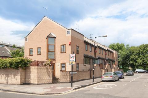 4 bedroom terraced house to rent - Menotti Street, LONDON