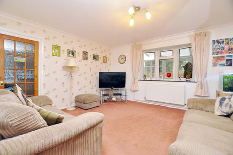 3 bedroom semi-detached house for sale - Boleyn Way, Boreham, Chelmsford, CM3