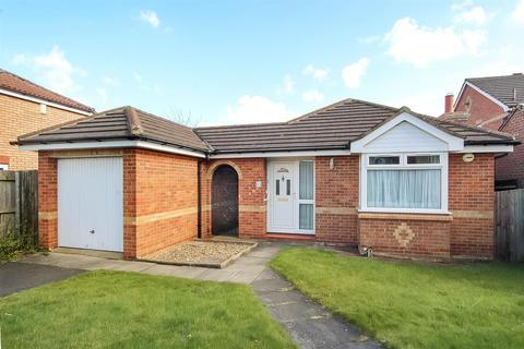 2 bedroom detached bungalow for sale - Wylam Avenue, Darlington