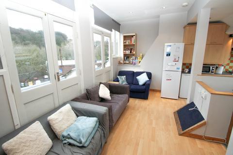 5 bedroom maisonette to rent - Springbank Road, Newcastle Upon Tyne