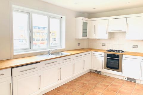 3 bedroom flat for sale -  Swift Close,  Hayes, UB3