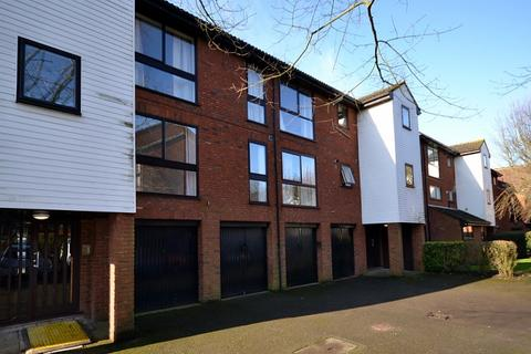 1 bedroom flat for sale - Claremont, Laleham Road, Shepperton, TW17