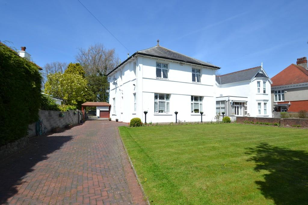 5 Bedrooms Detached House for sale in 76 Merthyr Mawr Road, Bridgend, Bridgend County Borough, CF31 3NR