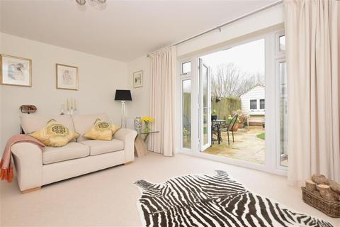 3 bedroom semi-detached house for sale - Chantry Mead, Bognor Regis, West Sussex