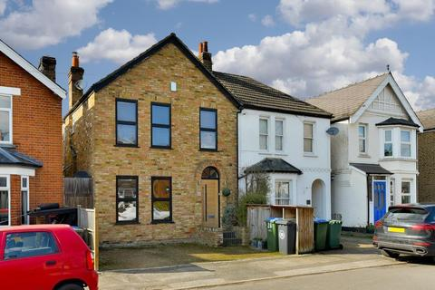 4 bedroom semi-detached house for sale - Langton Road, Molesey