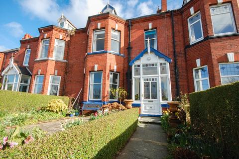 6 bedroom terraced house for sale - 44 Staithes Lane, Staithes, TS13