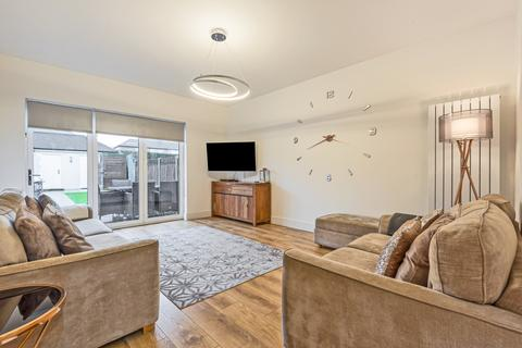 6 bedroom semi-detached house for sale - Nurstead Road Erith DA8