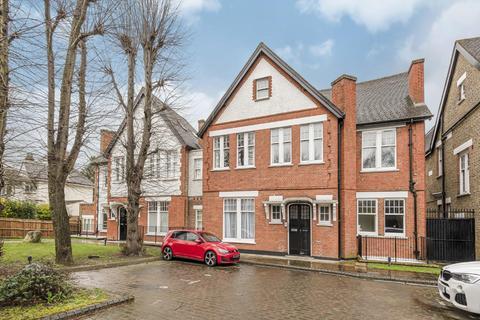 2 bedroom flat for sale - Hervey Road, Blackheath