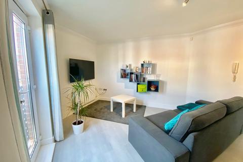 2 bedroom apartment for sale - Renforth Close, St James Village