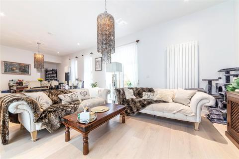 3 bedroom terraced house for sale - Rope Terrace, Royal Wharf, London, E16