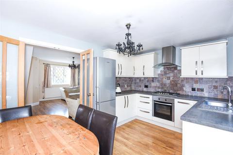 3 bedroom semi-detached house to rent - Laburnum Road, Winnersh, Berkshire, RG41