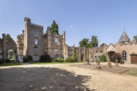 4 bedroom semi-detached house for sale - Hadlow Castle, Tonbridge, TN11 0EG
