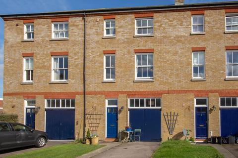 4 bedroom terraced house for sale - Walmer