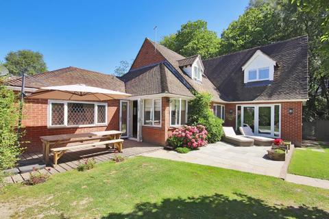 4 bedroom detached house for sale - The Mount, Flimwell, East Sussex, TN5 7QN