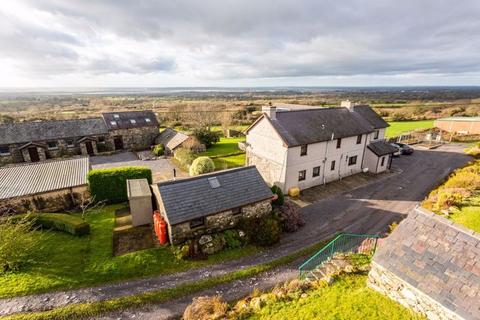 4 bedroom farm house for sale -