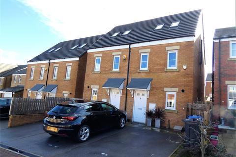 3 bedroom semi-detached house for sale - Forrest Close, Bradford, BD6