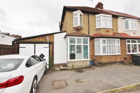 3 bedroom semi-detached house to rent - Grosvenor Road, Borehamwood, Herts