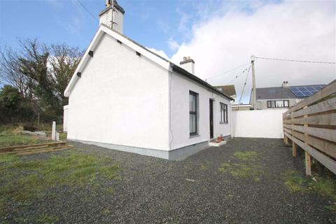 3 bedroom detached bungalow for sale - Station Road, Valley, Anglesey, LL65